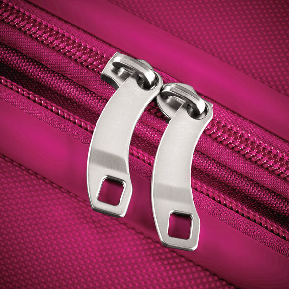 "American Tourister Sunset Cruise 24"" Spinner in the color Pink Berry."