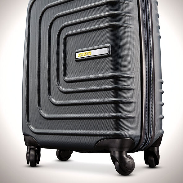 "American Tourister Sunset Cruise 28"" Spinner in the color Nightshade."