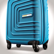 """American Tourister Sunset Cruise 28"""" Spinner in the color Summer Sky."""