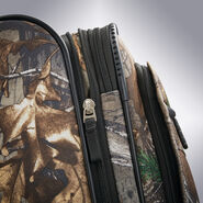 "American Tourister Realtree 20"" Spinner in the color Camouflage Green."