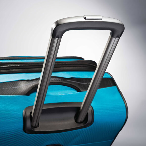"""American Tourister Zoom 28"""" Spinner in the color Teal Blue."""