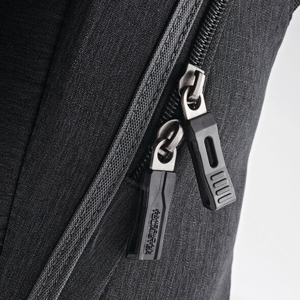 American Tourister Messenger Bag in the color Charcoal.